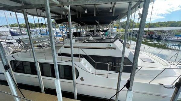 Harbor Master 4500 Stolkraft Power Cat
