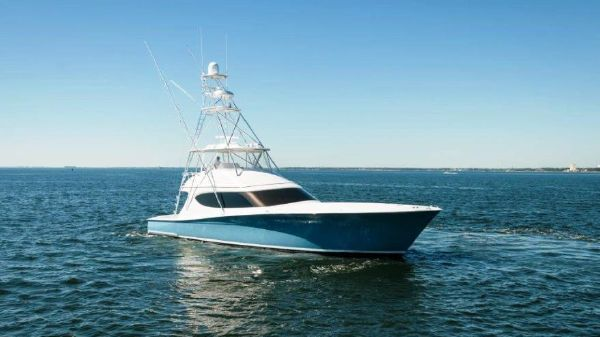 Hatteras 63 GT Convertible Starboard Profile