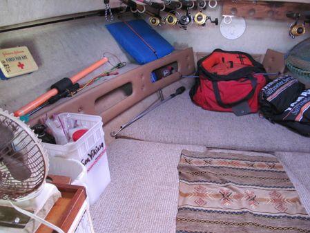 Pursuit 2600 Cuddy Cabin image