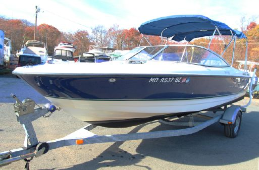 Bayliner 215 Discovery w/Trailer image