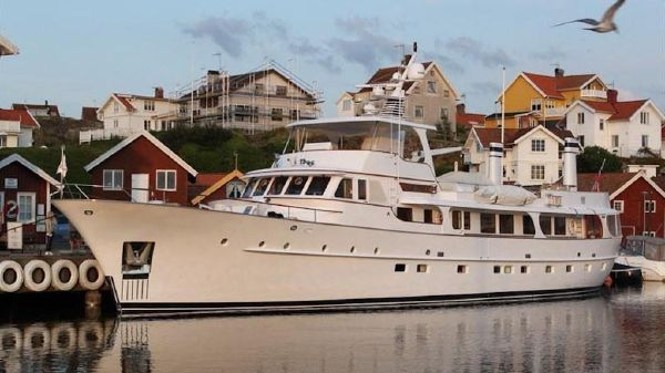 Feadship Flybridge Motor Yacht