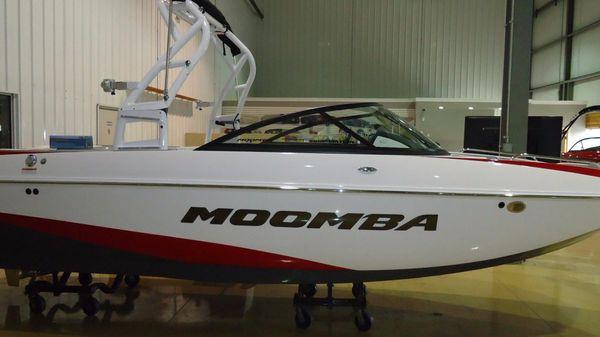 Moomba Mondo