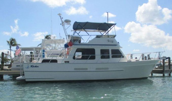 Ricker Classic Trawler - main image