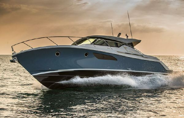 2021 Tiara Yachts 44 Coupe