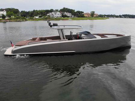 Vanquish Yachts 48 DC image