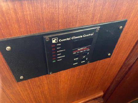 Chris-Craft 426 Catalina image