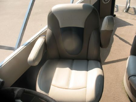 Landau Atlantis 240 Tri Toon image