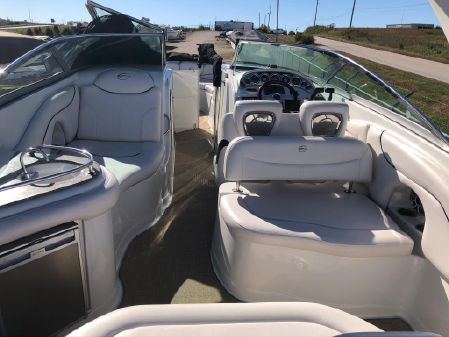 Crownline 325 SS image