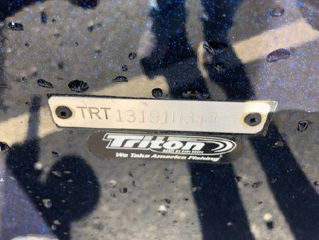 Triton 21XS image