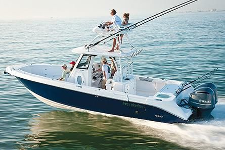 Everglades 325 Center Console Manufacturer Provided Image