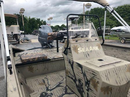 SeaArk 2072 FX image