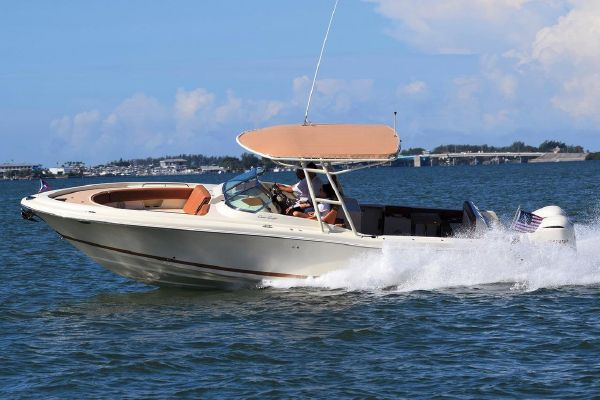 Chris-Craft Calypso 30 - main image