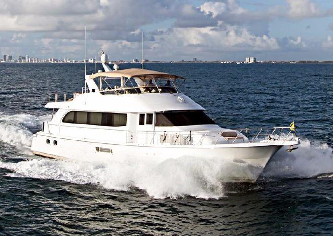 2000 Hatteras Sport Deck Motoryacht