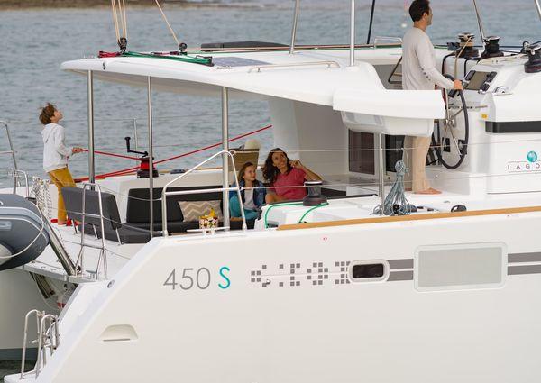 Lagoon 450S image