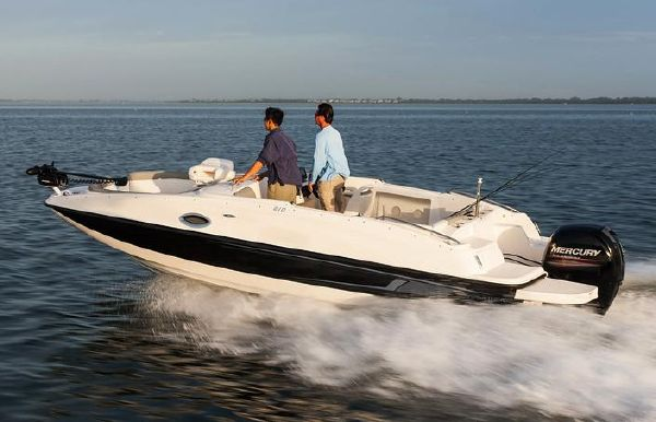 2020 Bayliner 210 Deck Boat