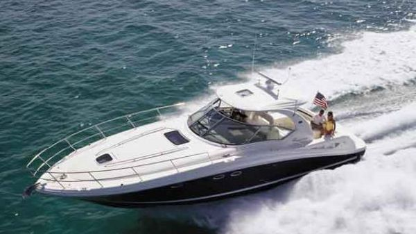 Sea Ray 420 Sundancer Manufacturer Provided Image
