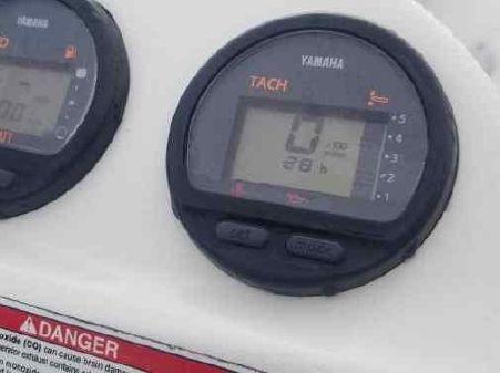 Zodiac Yachtline 2 Deluxe 340 image