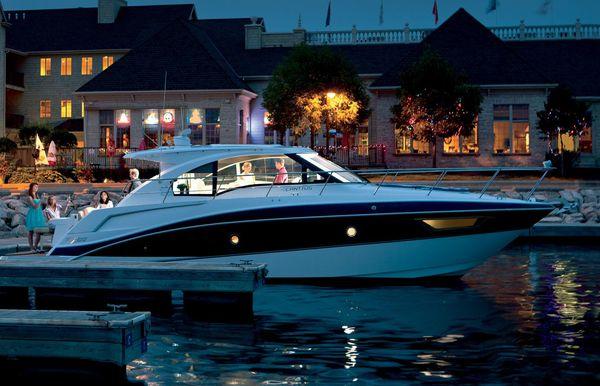 2017 Cruisers Yachts 41 Cantius