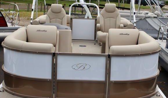 Bentley Pontoons Navigator 223 Tritoon