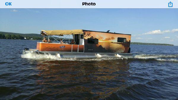 Houseboat 38