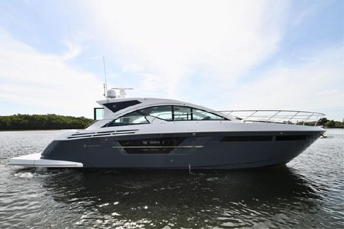 2018 Cruisers Yachts For Sale Purchase