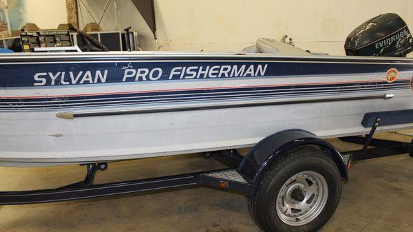 Sylvan Pro Fisherman