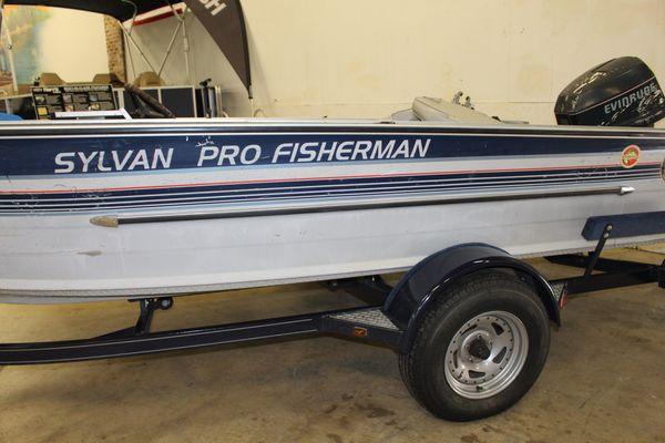 Sylvan Pro Fisherman - main image
