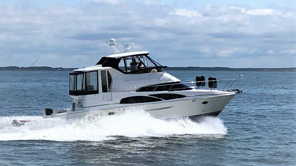 Carver 45 Cockpit Motor Yacht