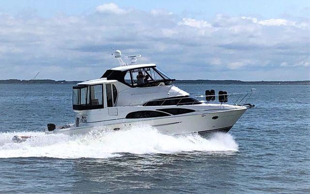 Carver 45 Cockpit Motor Yacht - main image