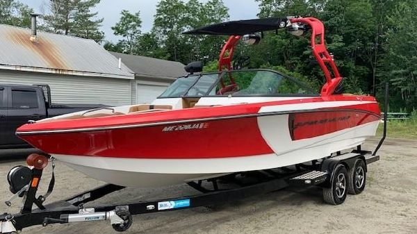 Correct Craft Super Air Nautique 230