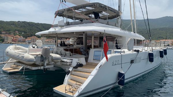 Lagoon 620 Owners Version