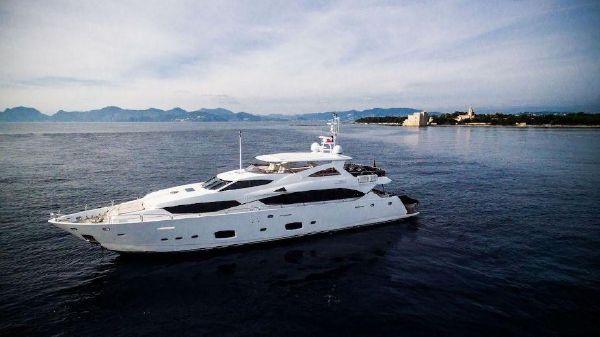 Sunseeker 111 Yacht