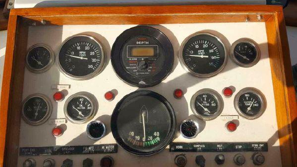 DeFever 48 Tri-Cabin image