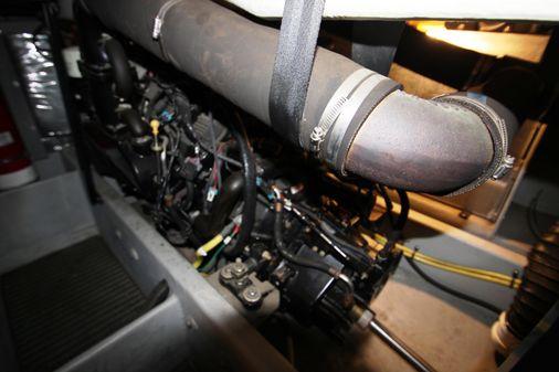 Meridian 381 Sedan image