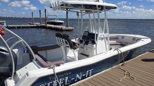 Tidewater 220 LFX