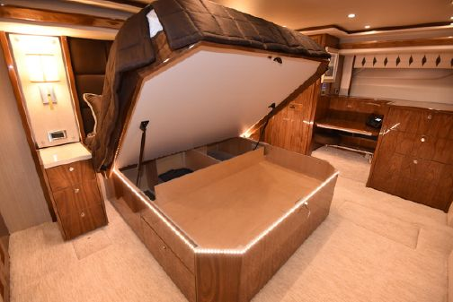 Viking 80 Skybridge image