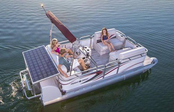 2017 Qwest Paddle 616 Family Cruise