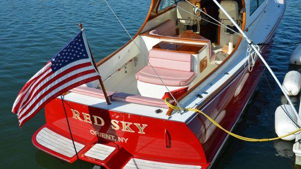 Hinckley Picnic Boat EP RED SKY
