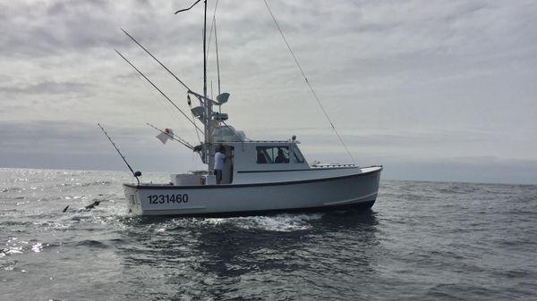 Duffy 38 Downeast Tuna Rigged
