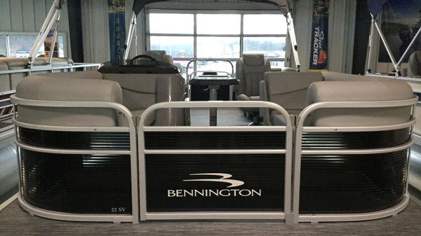 Bennington 22SVSR