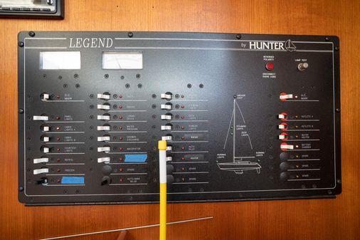 Hunter Legend 40.5 image