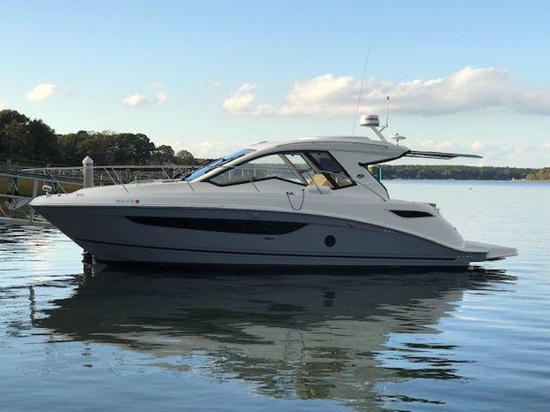 2018 Sea Ray Sundancer 350 Coupe Hyannis Massachusetts Hyannis Marina