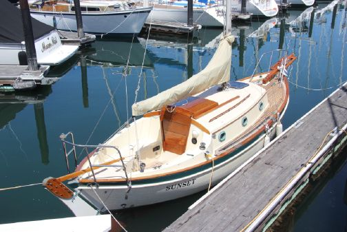 Pacific Seacraft 25 image