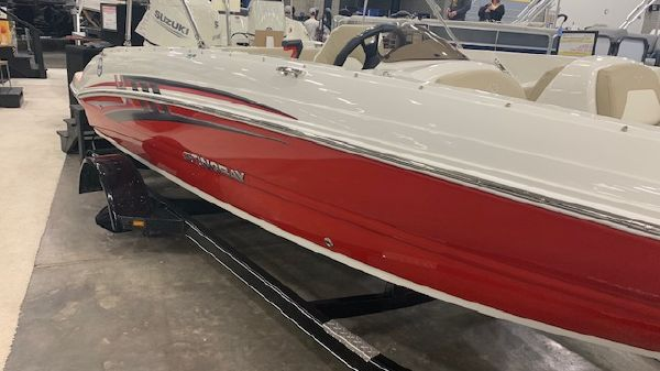 Stingray 182 Fish-n-Cruise Deck Boat