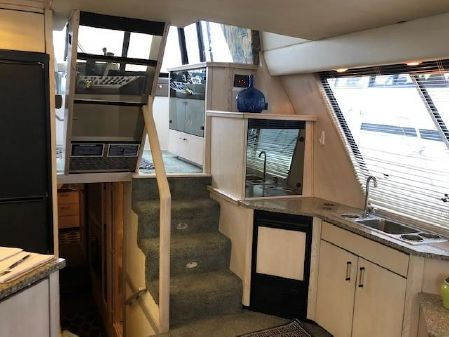 Bayliner 4788 Pilothouse image