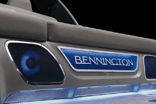 Bennington RX 23 Swingback image