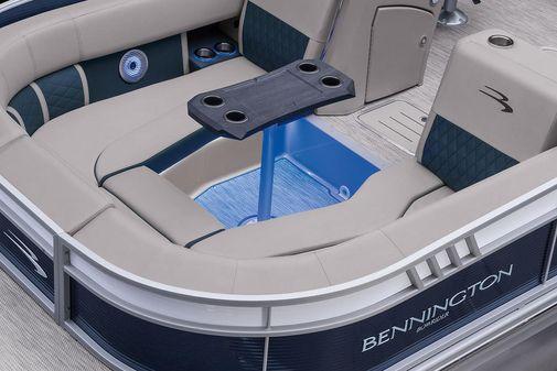 Bennington L Bowrider 25 Swingback image