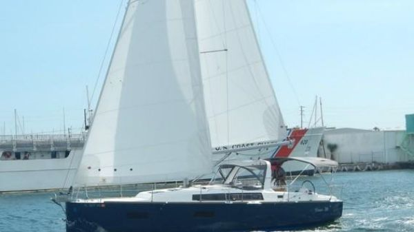 Beneteau Oceanis 38 Beautiful boat at sail