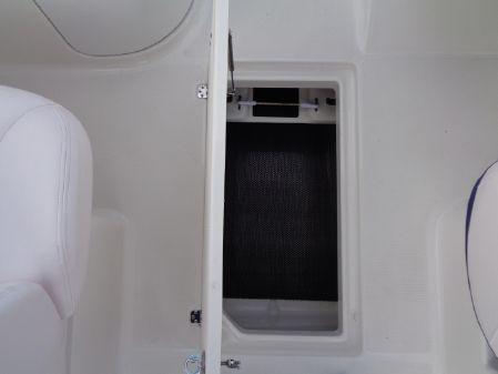 Robalo R227 Dual Console image