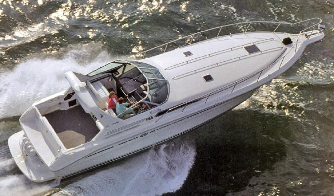 Sea Ray 400 Express Cruiser - main image